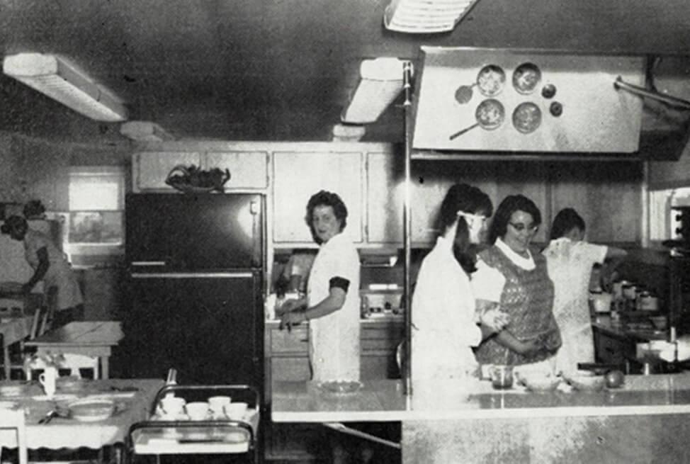 Home economics students in 1970