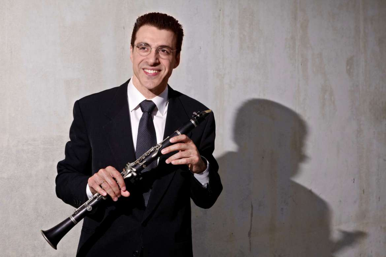 Clarinetist Oskar Espina-Ruiz