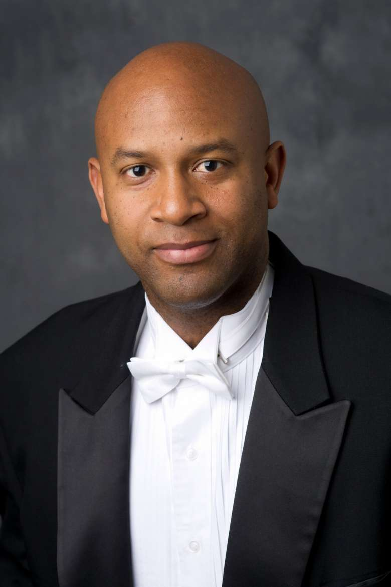 Guest Conductor Dr. Ishbah Cox.