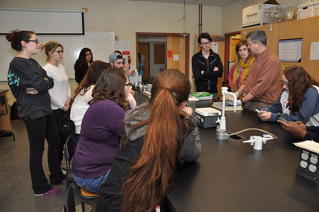 Biopsychology students see human brain
