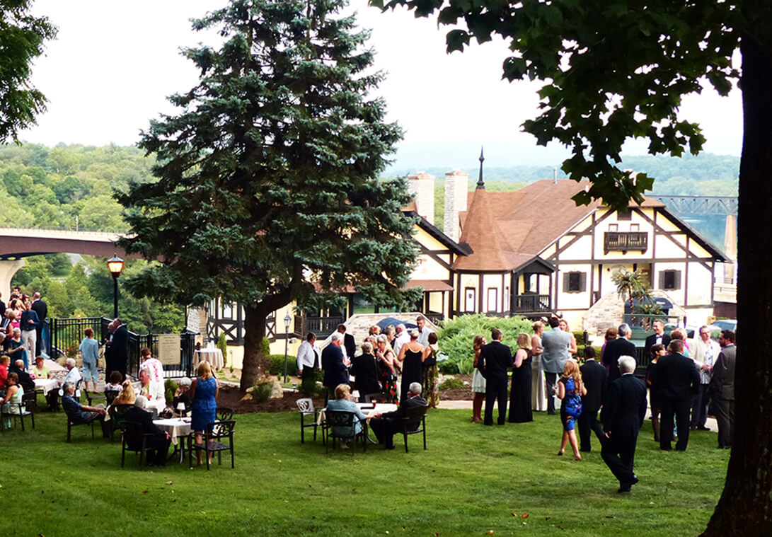 Gala guests enjoyed mingling on the ground of Bavarian Inn.